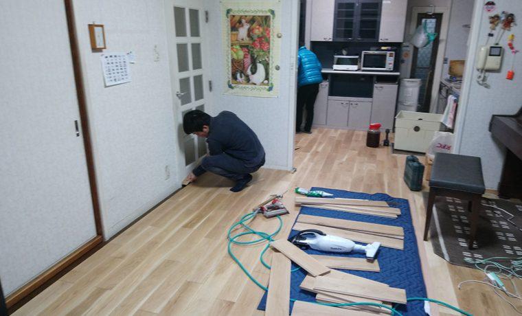 床張り作業